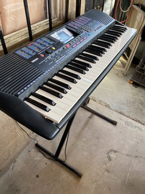 Yamaha keyboard and stand for Sale in Phoenix, AZ