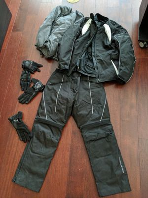 Women's Winter motorcycle gear, Frank Thomas LL jacket, LM pants and gloves. Never used. for Sale in Portland, OR