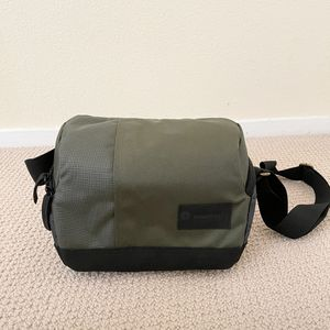Manfrotto Green Camera / Lens Bag for Sale in Las Vegas, NV