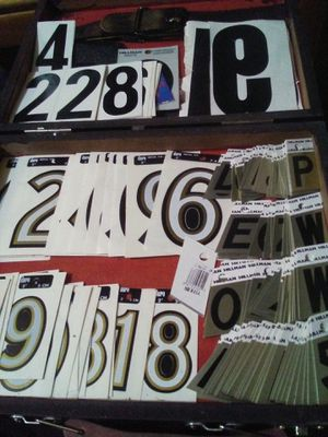 MISCELLANEOUS VINTAGE REFLECTIVE HARD ALUMINUM AND VINYL LETTERING AND NUMBERING LOT for Sale in Evansville, IN