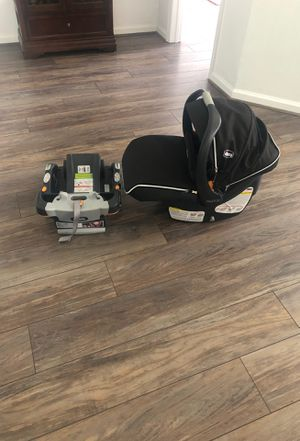 Chicco KeyFit30 Car seat and base for Sale in Archer, FL