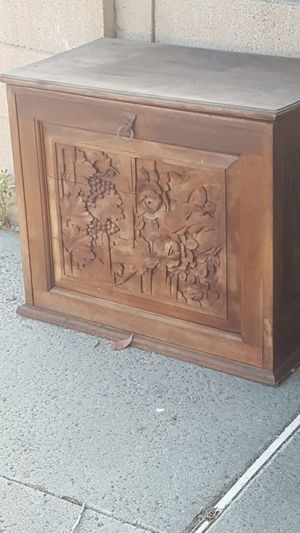 FREE CURB ALERT Antique end or storage table..has been stored outside. for Sale in Huntington Beach, CA