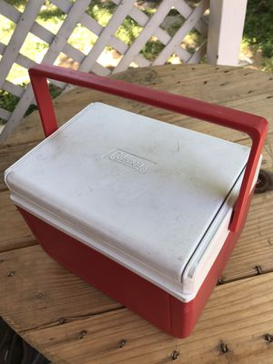 NEW Coleman Lunch Box Cooler Model No.5205 6 Pack for Sale in Fresno, CA