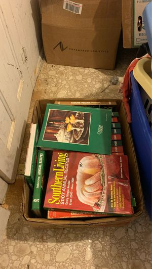 Southern living annual recipes cookbook lot of 21. Good condition. Willing to split into smaller lots for Sale in Sulphur Springs, AR