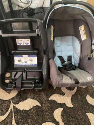 Infant car seat for Sale in Miami, FL