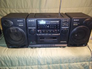 **VINTAGE SONY BOOM BOX CFD-510** SOUNDS GREAT for Sale in Bakersfield, CA