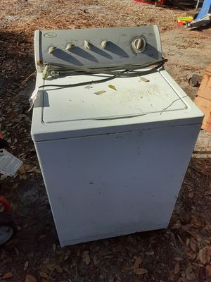 $5 washing machine doesn't spin, either scrap or fix for Sale in Lake Alfred, FL