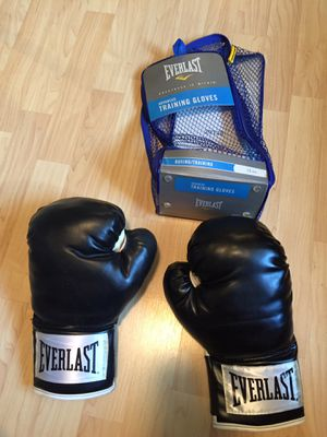 Everlast Boxing Gloves. for Sale in Covina, CA