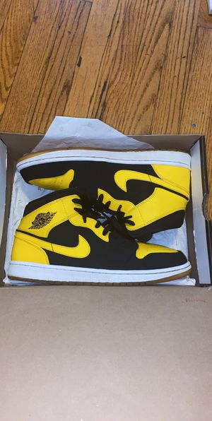 """New Love"" Jordan 1 Mids Size 10.5 Clean for Sale in West Haven, CT"