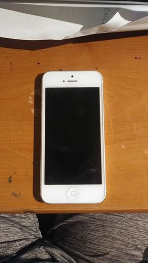 Apple iPhone 5 for Sale in Hayward, CA