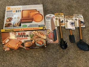 Copper Cookware, Bakeware & Mixing Set for Sale in Las Vegas, NV