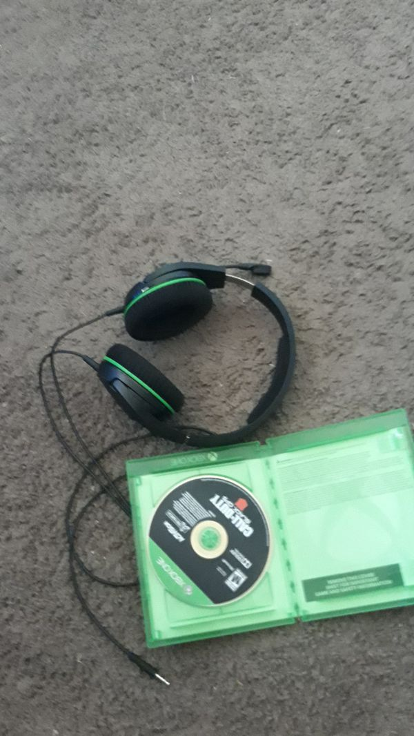 Headphones video game bundle