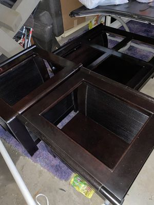 Coffee table and end tables, I have the the glass pieces that fit in the middle for Sale in Oak Lawn, IL