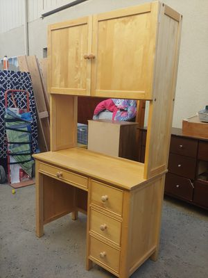 Desk for Sale in Clovis, CA