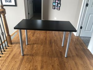 Linnmon Desk Table from IKEA for Sale in Lockport, IL