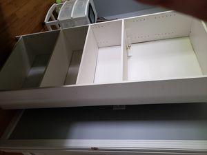 White bookcase for Sale in Alexandria, TN