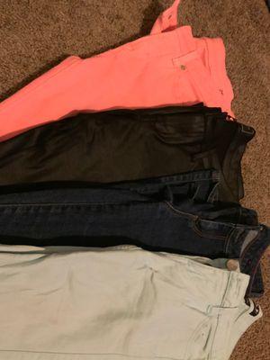 Jeansssss for Sale in Clovis, CA