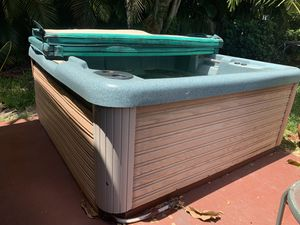FREE HOT TUB for Sale in Boca Raton, FL