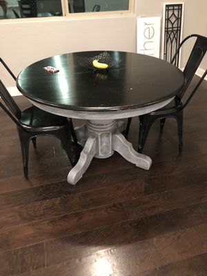 Dining room table for Sale in Mesa, AZ