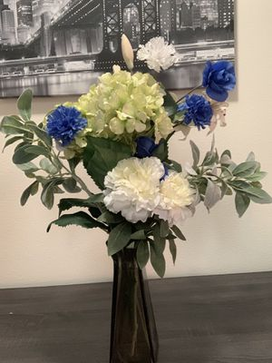 Flower arrangement for Sale in Tempe, AZ