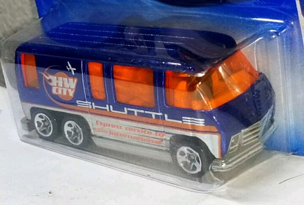 Hot Wheels 2010 GMC MOTORHOME