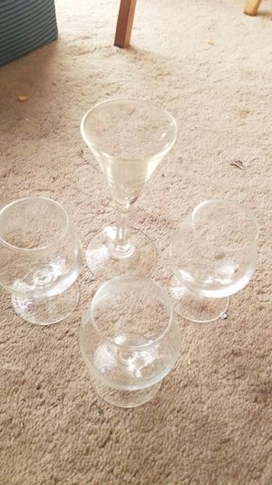 3 brandy and 1 martini glass for Sale in Salinas, CA