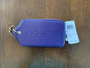 Coach Purple wristlet - NWT for Sale in New Haven, CT