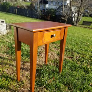 Nightstand or Small End Table for Sale in UPPR MARLBORO, MD