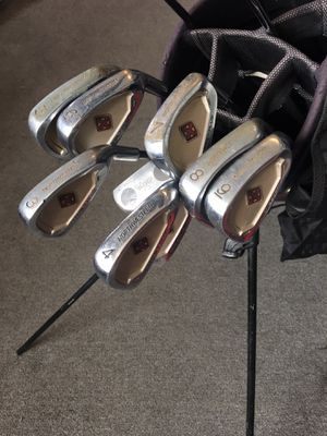 Northwestern Golf Club Set - with Bag for Sale in Murray, UT