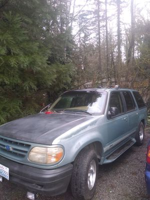 1997 Ford explorer 4x4 green for Sale in Fall City, WA