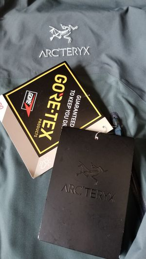 ARCTERYX Beta AR JACKET MEN'S LG brand new w/tag for Sale in Tacoma, WA