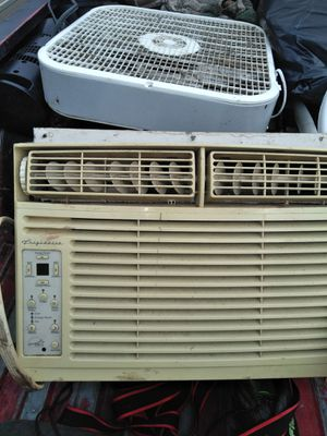 Window AC unit perfect just does not have to say for Sale in Rockmart, GA