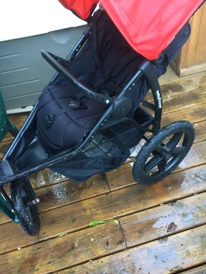 Jogging stroller for Sale in Germantown, MD