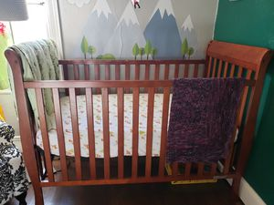 Convertible crib, solid wood for Sale in Oakland, CA