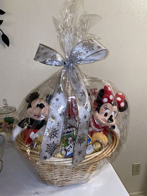 Mickey mouse and Minnie mouse holiday basket for Sale in Azusa, CA