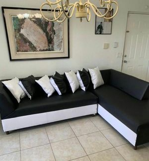 Sectional White and Black with pillow. New for Sale in Miami, FL