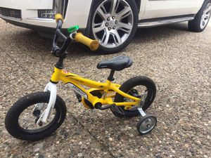Yellow Bike with Training Wheels for Sale in Detroit, MI