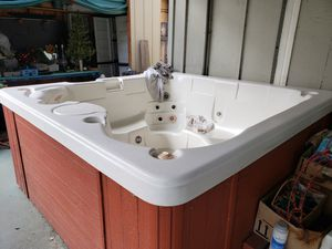Working hot tub for Sale in El Cajon, CA