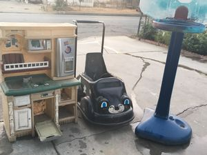 FREE MUST TAKE ALL for Sale in Fontana, CA