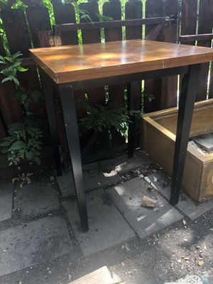 Breakfast / creative table ( no stools ) for Sale in Austin, TX