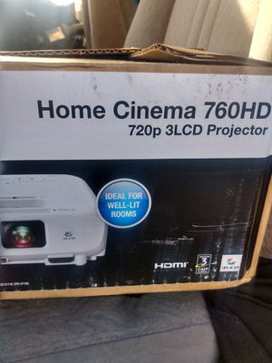 Epson Home cinema 760HD 720p 3LCD projector for Sale in Tacoma, WA