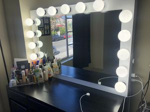 36x24 Makeup VANITY MIRROR Brand New Dimmable light, light plug, BULBS INCLUDED for Sale in Chula Vista, CA