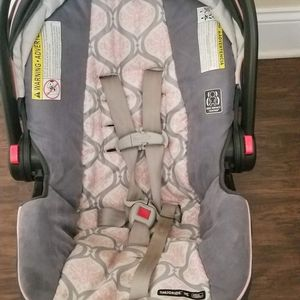 Graco Infant Car Seat for Sale in Pittsburgh, PA