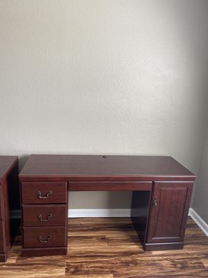 Desk and File Cabinet for Sale in FL, US