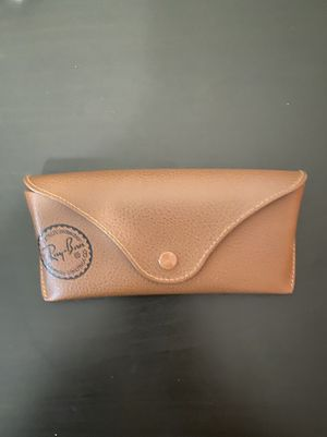 Ray Ban Sunglasses case very good condition for Sale in Queens, NY