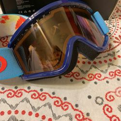 Electric Snowboarding Child goggles for Sale in Yucaipa,  CA