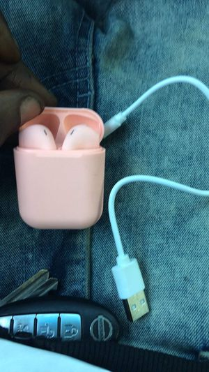 Pink wireless headphones for Sale in New Britain, CT