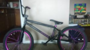 Purple and black bmx bike for Sale in West Valley City, UT