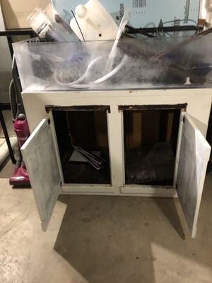 Frag tank (acrylic) with stand for Sale in Fort Worth, TX