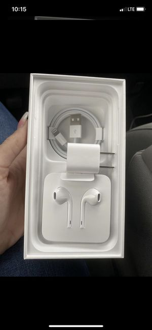 Brand new IPhone charger/earphones for Sale in Kennewick, WA